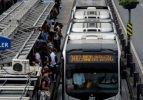 Şirinevler'de yolcu metrobüs şoförünü bıçakladı