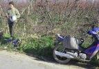 Motosikletten düşen genç kadın ağır yaralandı