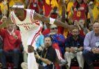 Rockets pes etmedi! seri 6. maça uzadı