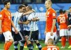 Sneijder kaçırdı Arjantin finale uçtu!