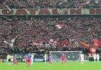 Steaua Bükreş'e ırkçılık cezası