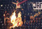 Sırp taraftarlar ultrAslan bayrağı yaktı