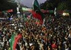Muhalifler İslamabad'a doğru yola çıktı!
