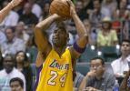 Lakers'ta Kobe Bryant geri döndü
