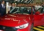 Yeni 'Fiat Egea'yı patron banttan indirdi