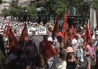 Yunanistan'da memurlar bir kez daha grevde