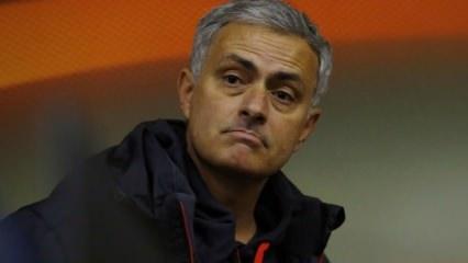 Mourinho'nun görevine son verildi!
