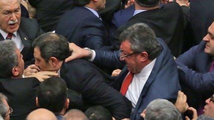 CHP'li Altay'dan Meclis'te utanç verici hareket!