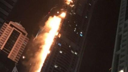 Dubai'de bir gökdelende yangın