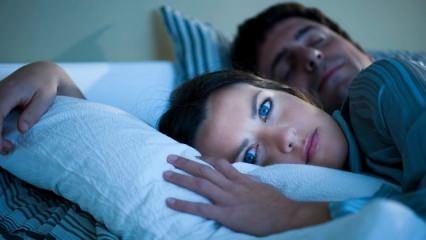 Yeterli uyku alınmadığında vücut sinyaller veriyor
