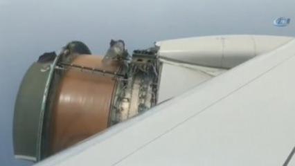 Uçağın motor kapağı havada koptu!