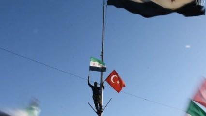 Meydanı Türk bayrağıyla donatıp çağrıda bulundular
