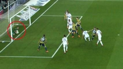 Kadıköy'de tartışılan gol! Çizgiyi geçti mi?
