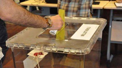 AK Parti'de aday mesaisi: peş peşe istifalar geldi