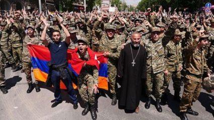 Ermenistan'da bomba gelişme: Sarkisyan istifa etti
