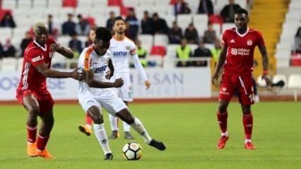 Alanyaspor Sivas'ta ligde kalmayı garantiledi