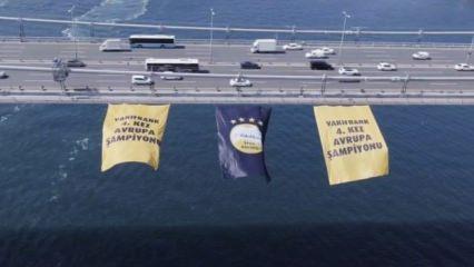 Vakıfbank'ın bayrağı FSM'ye asıldı