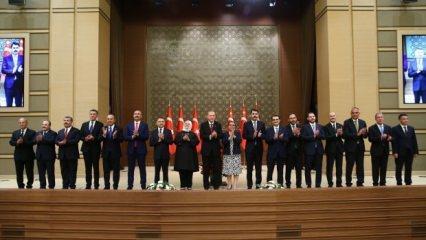 Yeni kabine Türkiye tarihine geçti