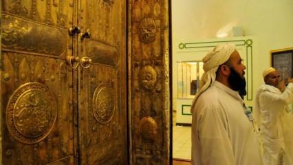 Kabe Sergi Salonunu'nda Osmanlı eserleri
