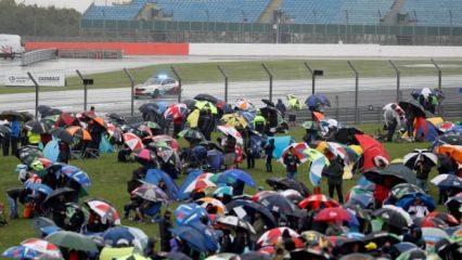 Yağmur MotoGP'de yarışı iptal ettirdi!