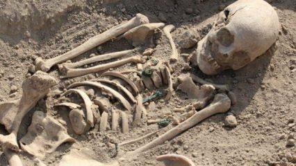 Urartu mezarlığından çıkanlar şoke etti! Kadınlarda...