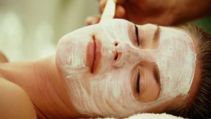 10 dakikada cildi yenileyen maske