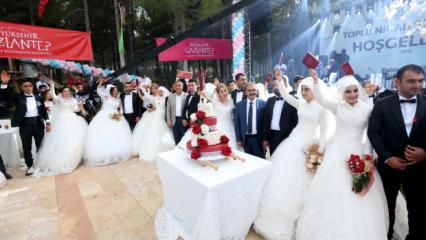 Fatma Şahin Gaziantep'te 50 çiftin nikahını kıydı!