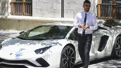 AK Parti Sakarya Milletvekili, milli motosikletçi Kenan Sofuoğlu'nun, Lamborghini Aventador model otomobili 385 bin euroya internette satışa çıkarıldı. Satışın, 'Yabancıdan yabancıya' yapılacağı bildirildi.
