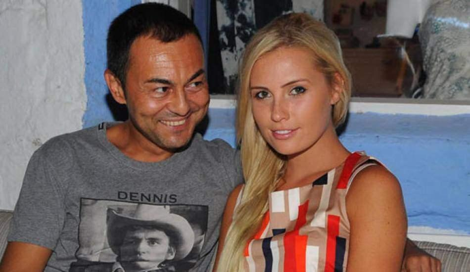 Serdar Ortaç'ın eşi Chloe Loughnan'dan TL'ye destek