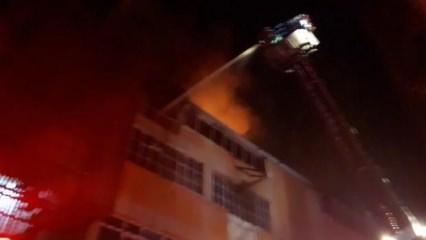 Bayrampaşa'da 3 katlı iş hanında yangın