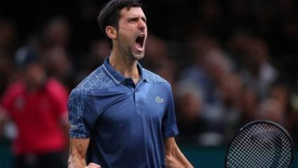 Djokovic, Federer'i yenerek finale çıktı