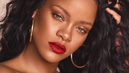 Rihanna Donald Trump'a  rest çekti