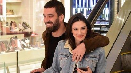 Arda ile eşi Aslıhan Turan doğum sonrası ilk kez görüntülendi