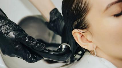 Saç boyası nasıl akıtılır? Saç boyasını akıtmak için bitkisel çözüm önerileri