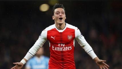 Mesut Özil'in Abdülhamid paylaşımı olay oldu