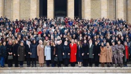 Bakan Zehra Zümrüt Selçuk'tan kadınlarla beraber anlamlı ziyaret