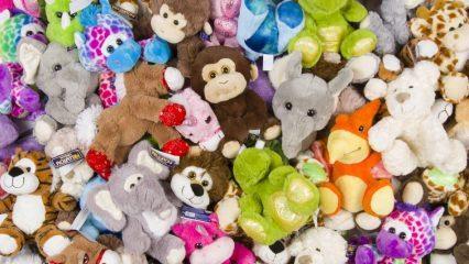 Peluş oyuncakları temizlemenin pratik yolları