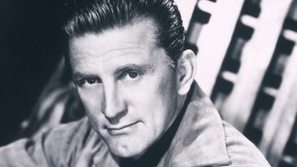 Hollywood'un efsane aktörü 102 yaşında!