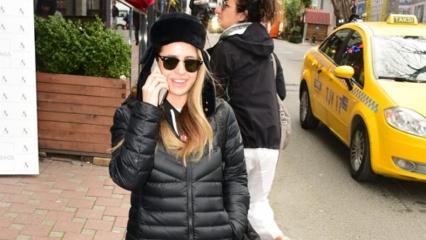 Büşra Pekin: Onunla konuşuyorum özledim!