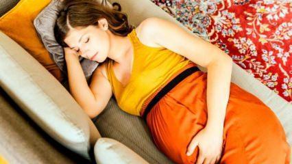 Hamilelikte nasıl oturulmalı ve yatılmalı?