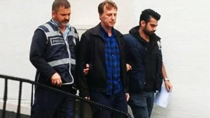 Eski milli futbolcuya FETÖ'den hapis cezası!