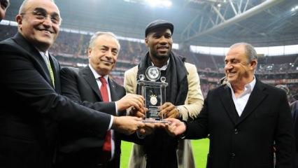G.Saray maçında Didier Drogba çılgınlığı!