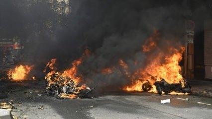Paris yanıyor! Her yeri ateşe verdiler! İhtilal sesleri