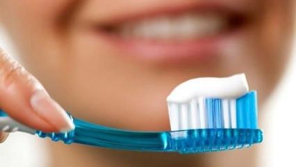 Diş fırçalamak orucu bozar mı? Diyanet İşleri Başkanlığı açıkladı!