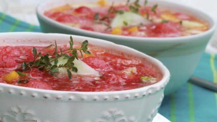 Enfes karpuz çorbası nasıl yapılır?