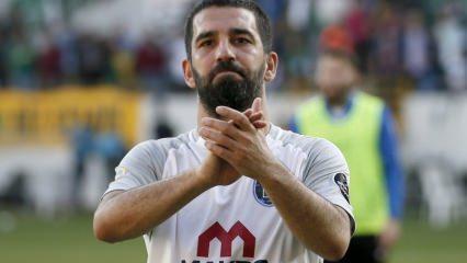 Arda Turan oğlu Hamza'nın ilk kez yüzünü gösterdi!