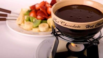 Fondü yemek kilo aldırır mı? Evde çikolatalı fondü tarifi