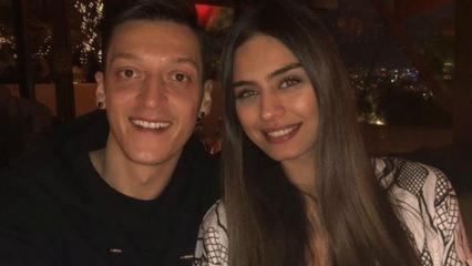 Amine Gülşe ve Mesut Özil ile rap yaptı!