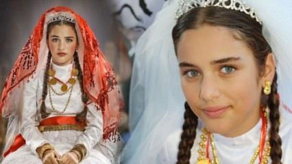 """""""Küçük Gelin"""" dizisinin Zehra'sı Çağla Şimşek kimdir? Şimdiki hali ile sosyal medyayı sallıyor..."""