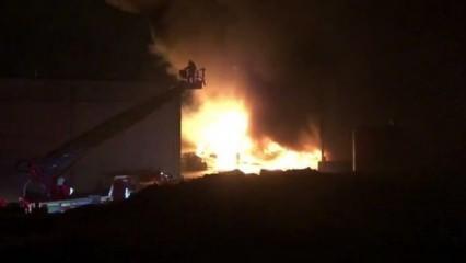 Denizli'de büyük yangın! Patlamalar yaşanıyor!
